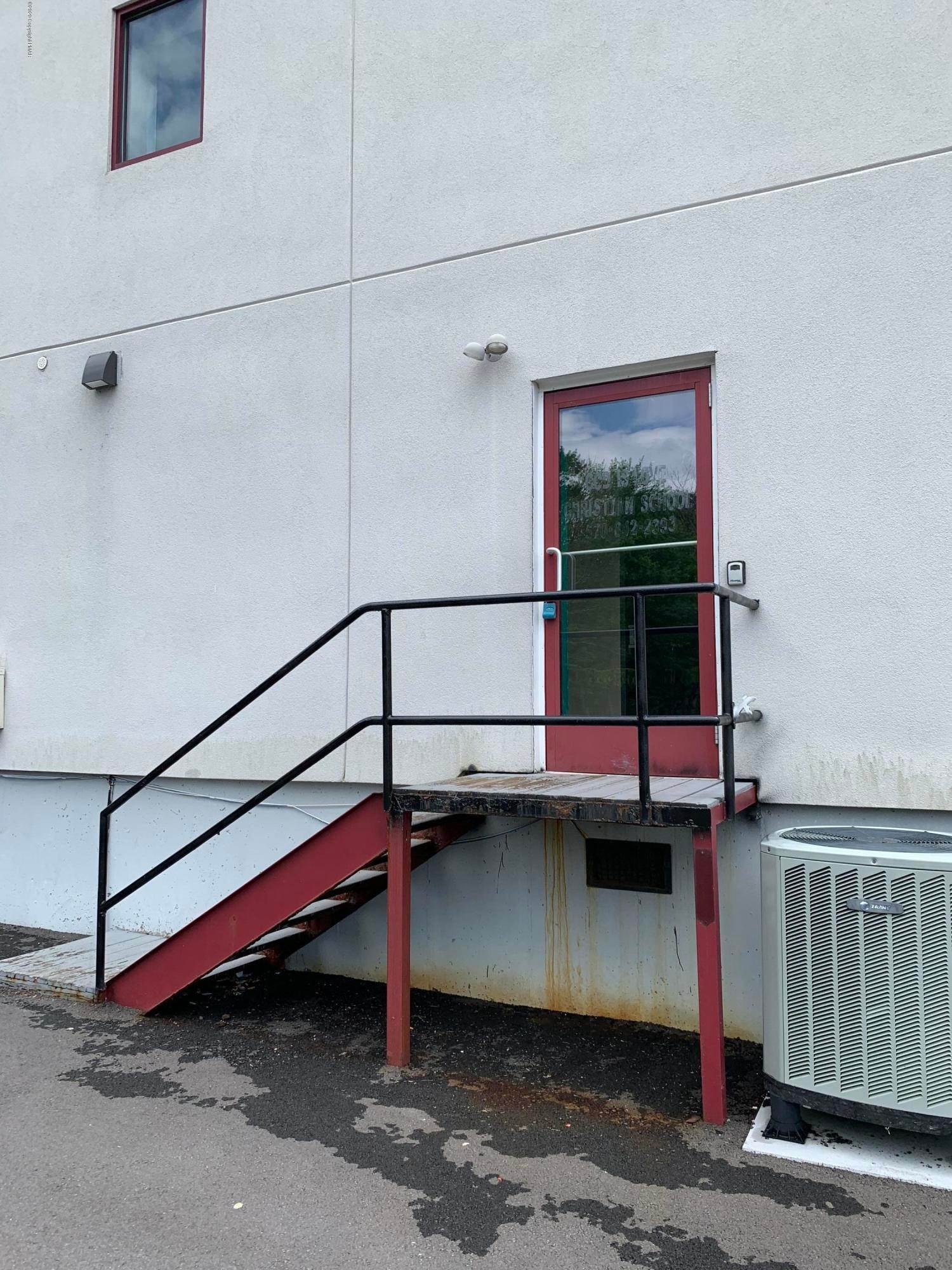 21. Commercial for Sale at 2936 Route 611, School-2 Tannersville, Pennsylvania 18372 United States