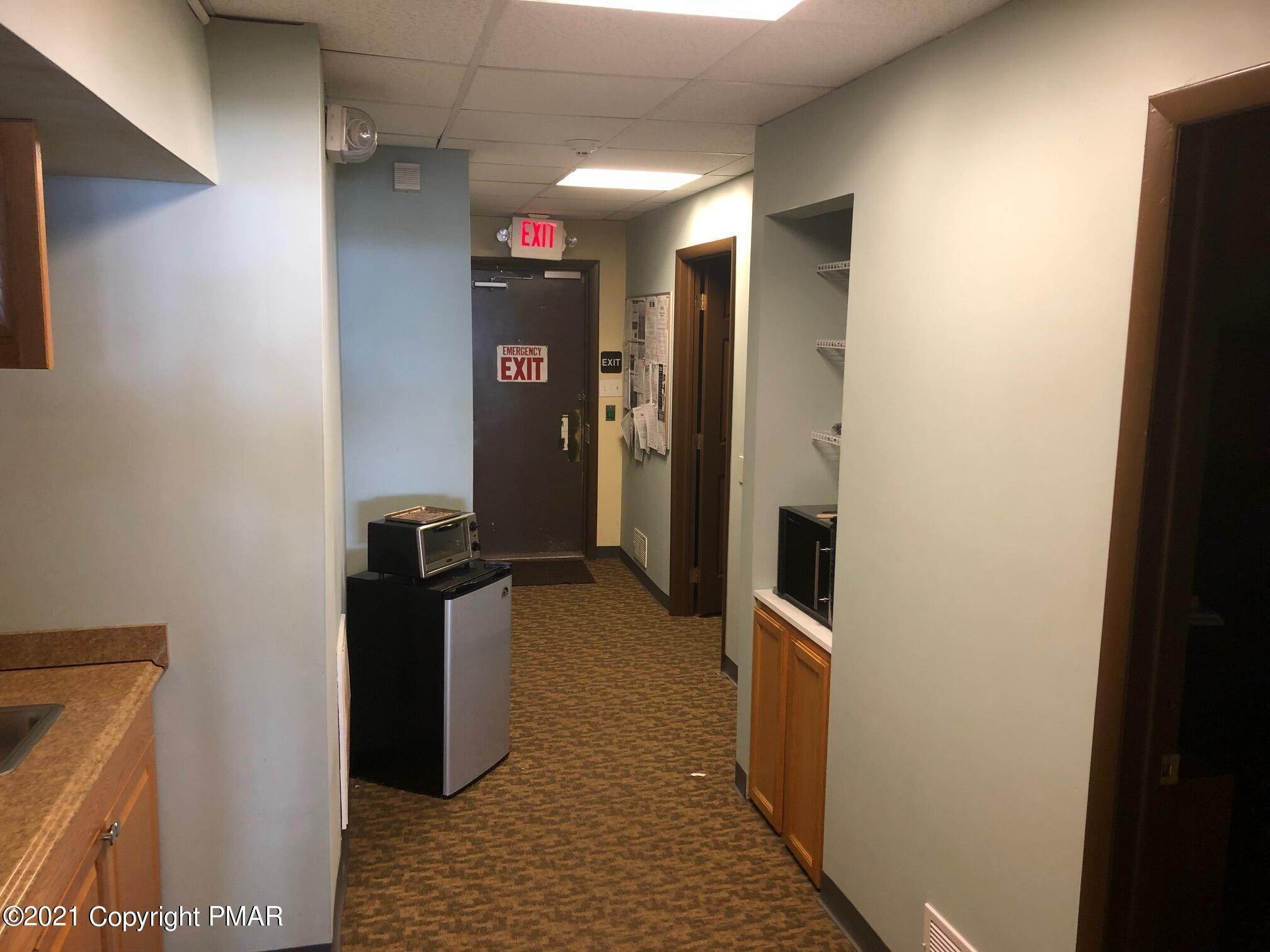4. Commercial for Sale at 1250 N 9th St, Unit 104 Stroudsburg, Pennsylvania 18360 United States