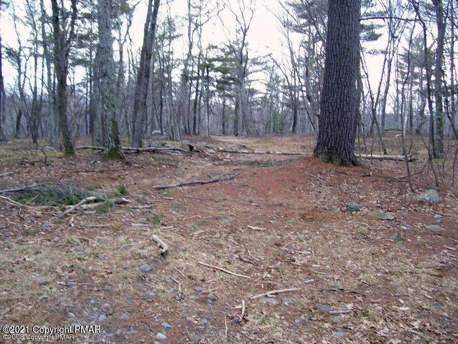 Land for Sale at Falcon Crest Crst East Stroudsburg, Pennsylvania 18302 United States