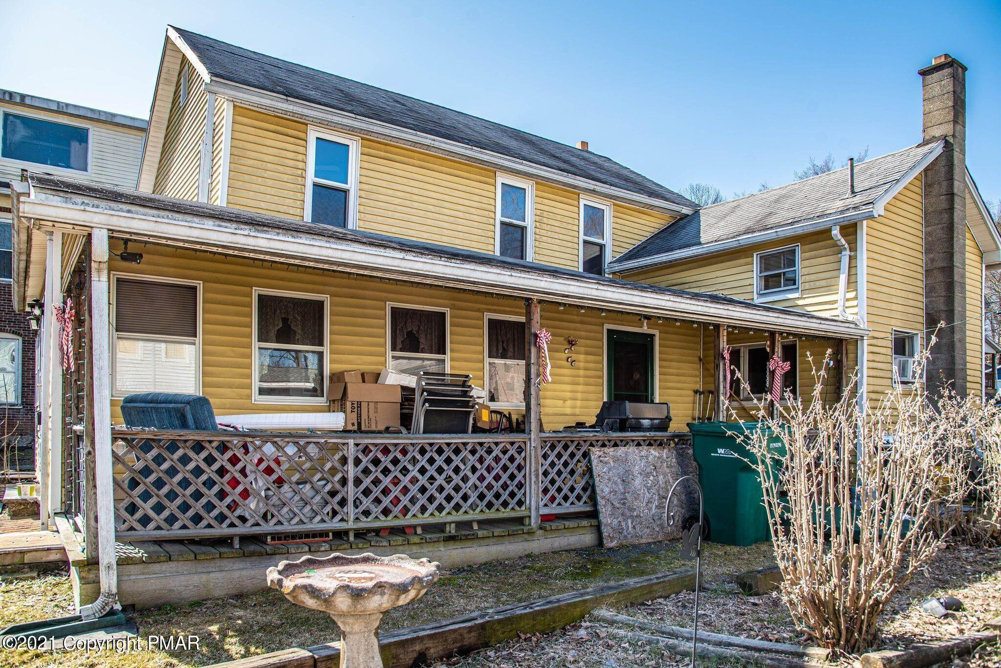 4. Single Family Homes for Sale at 423 Williams St East Stroudsburg, Pennsylvania 18301 United States