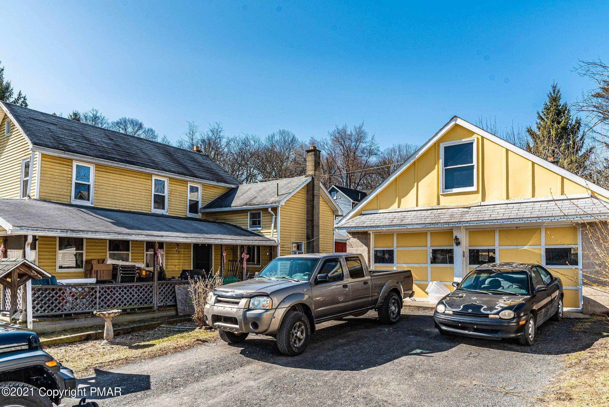 6. Single Family Homes for Sale at 423 Williams St East Stroudsburg, Pennsylvania 18301 United States