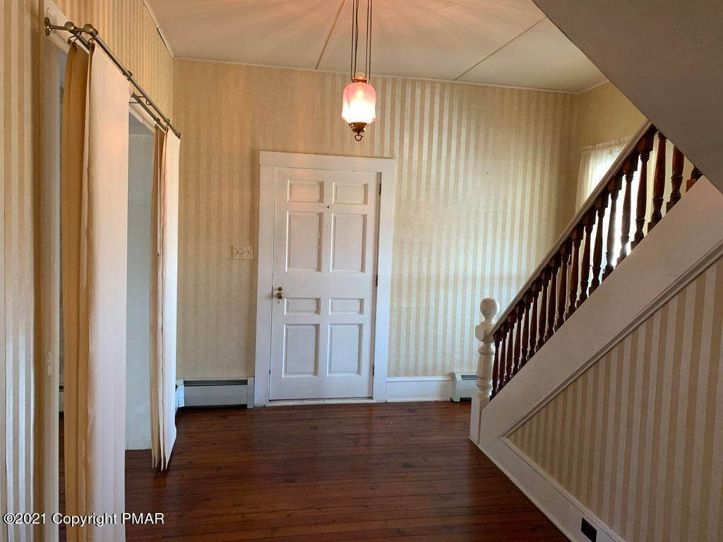 12. Single Family Homes for Sale at 308 Taylor Ave Wyalusing, Pennsylvania 18853 United States