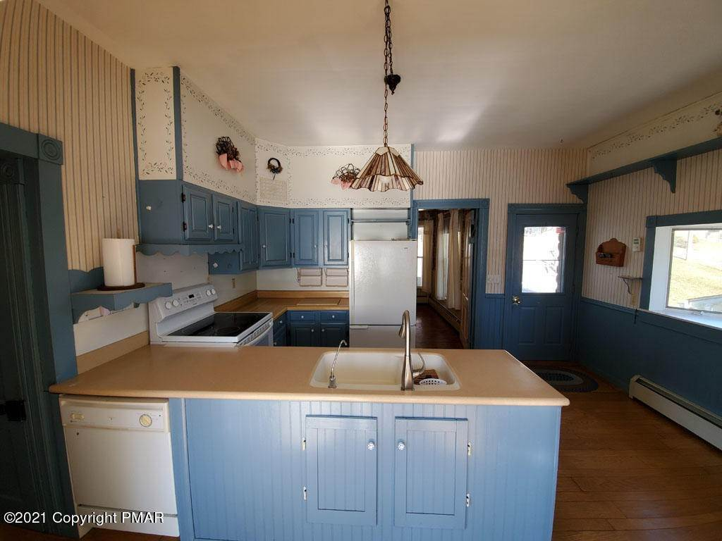 5. Single Family Homes for Sale at 308 Taylor Ave Wyalusing, Pennsylvania 18853 United States