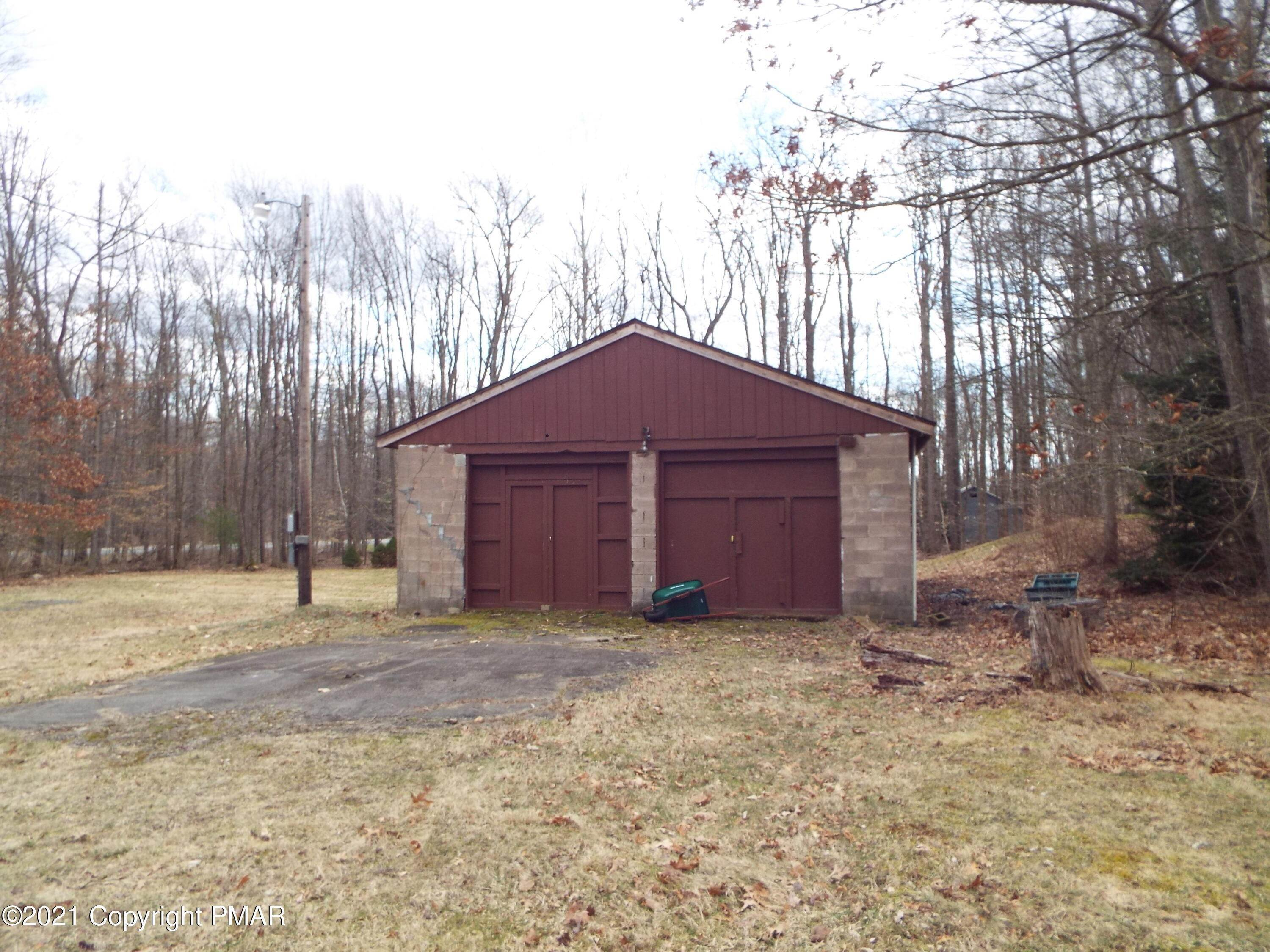 6. Single Family Homes for Sale at 317 N Lehigh Gorge Rd Weatherly, Pennsylvania 18255 United States