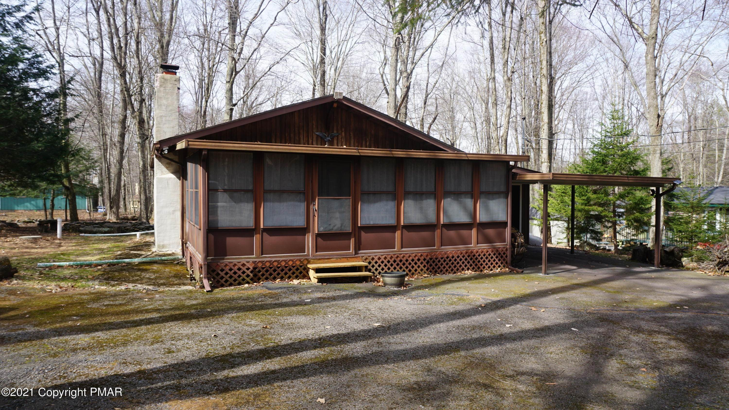 4. Single Family Homes for Sale at 113 Beech Ln Pocono Lake, Pennsylvania 18347 United States
