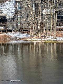 18. Single Family Homes for Sale at 25 Snow Shoe Lake Harmony, Pennsylvania 18624 United States
