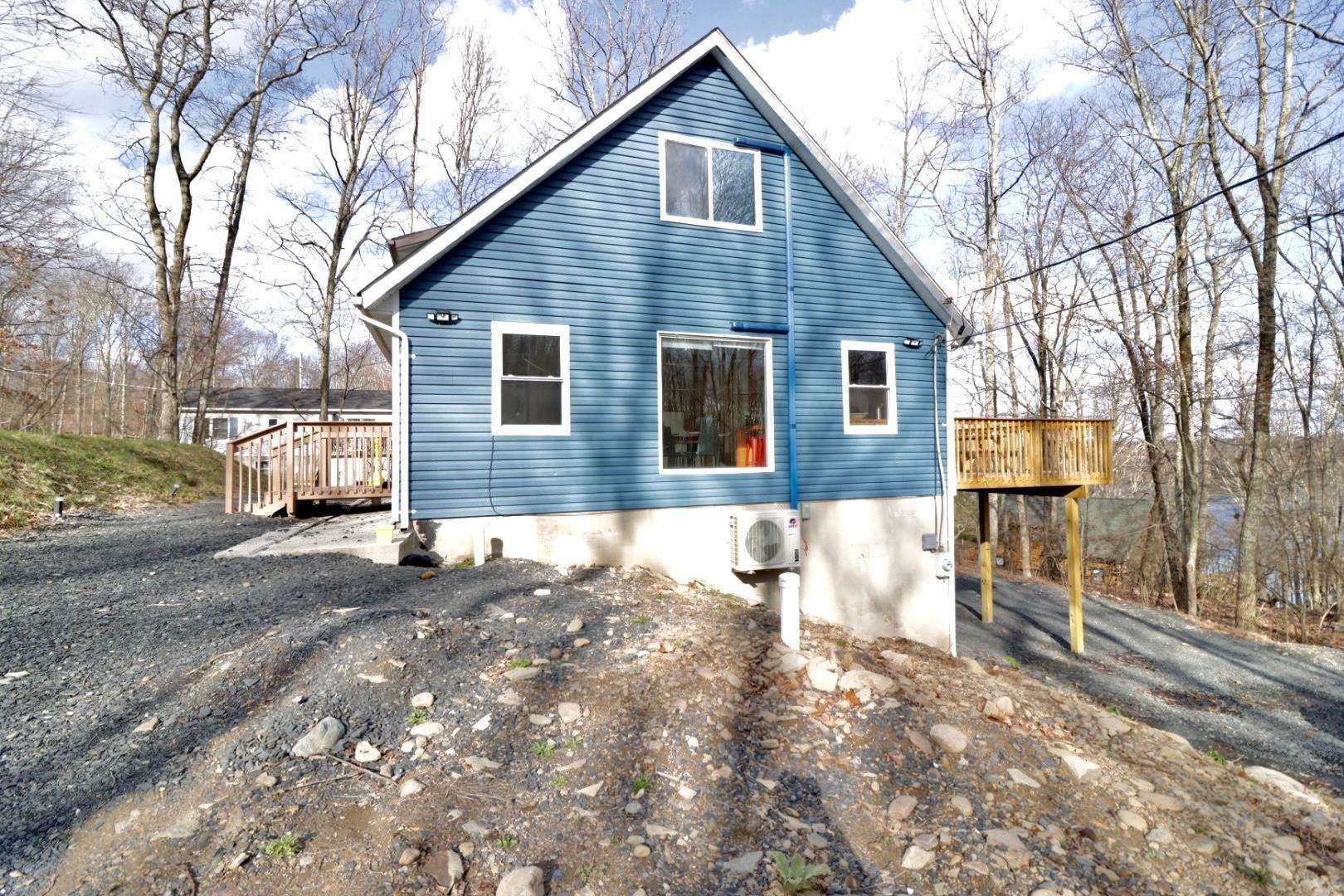 61. Single Family Homes for Sale at 910 E Venue Rd East Stroudsburg, Pennsylvania 18302 United States