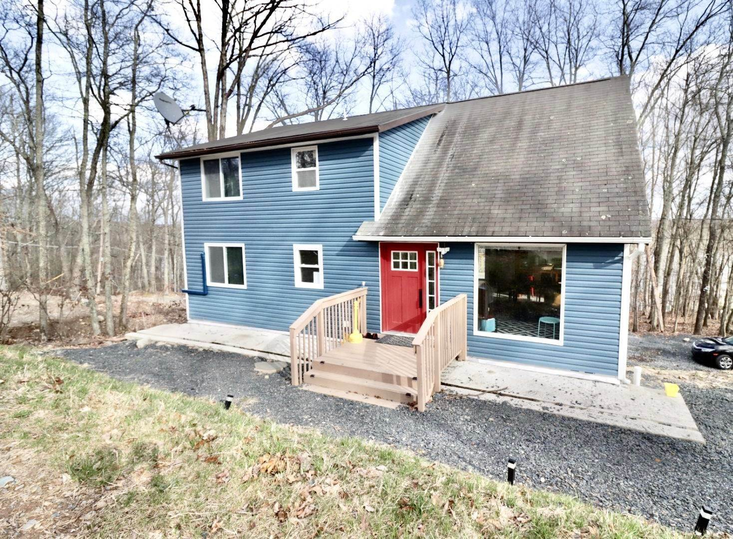 2. Single Family Homes for Sale at 910 E Venue Rd East Stroudsburg, Pennsylvania 18302 United States