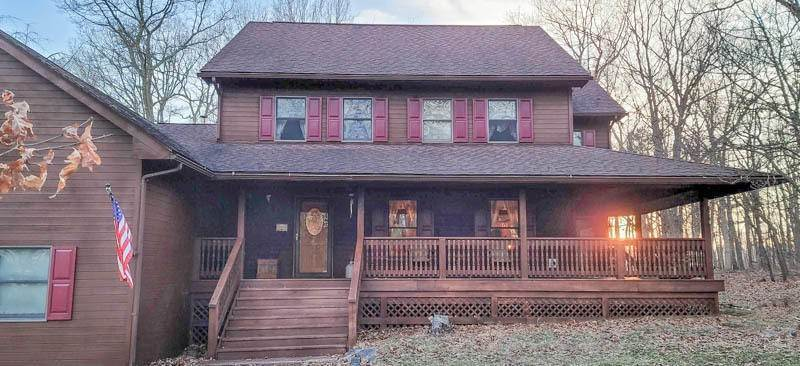 Single Family Homes for Sale at 207 Oak Ct Dingmans Ferry, Pennsylvania 18328 United States