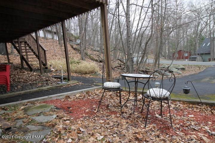19. Single Family Homes for Sale at 105 Saunders Dr Bushkill, Pennsylvania 18324 United States
