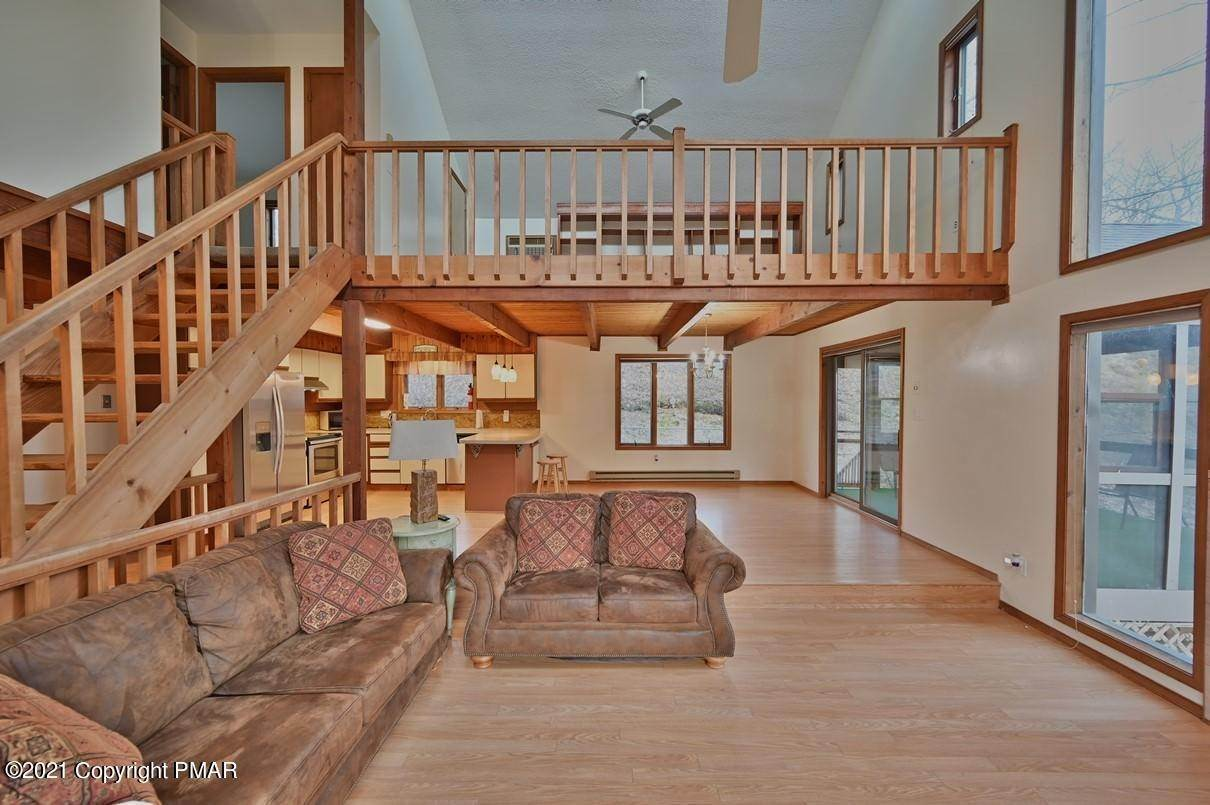13. Single Family Homes for Sale at 109 Durham Dr Bushkill, Pennsylvania 18324 United States
