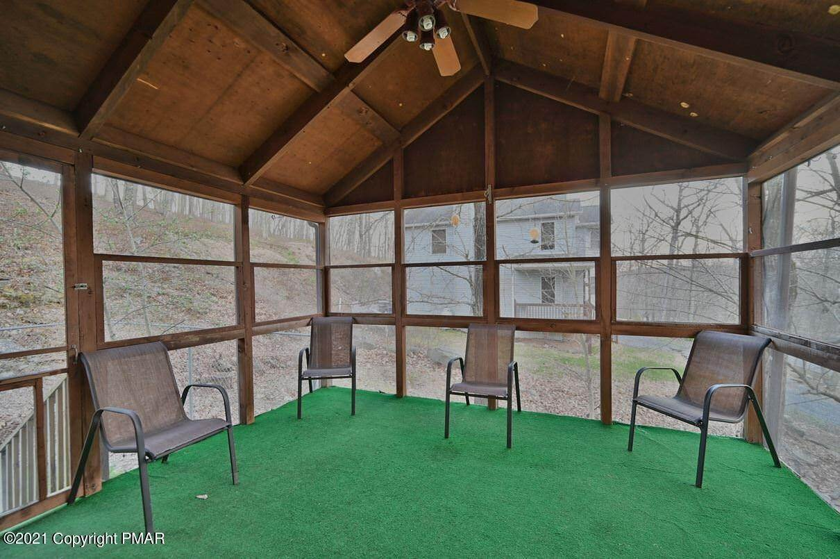 74. Single Family Homes for Sale at 109 Durham Dr Bushkill, Pennsylvania 18324 United States