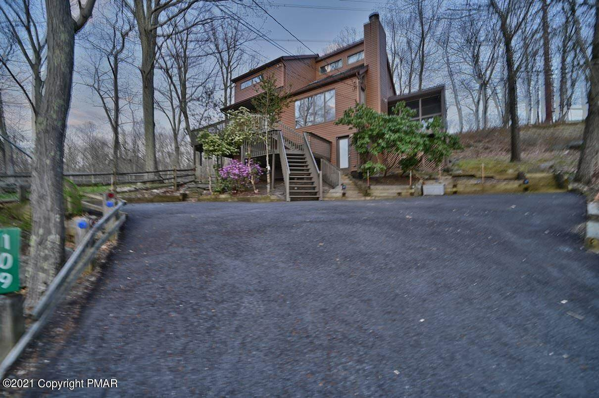 83. Single Family Homes for Sale at 109 Durham Dr Bushkill, Pennsylvania 18324 United States
