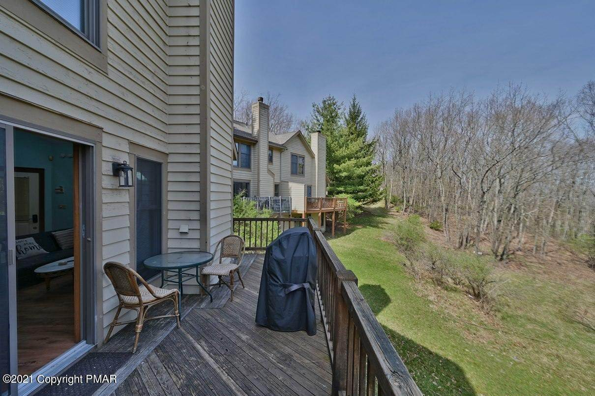 12. Single Family Homes for Sale at 416 Hickory Dr Tannersville, Pennsylvania 18372 United States
