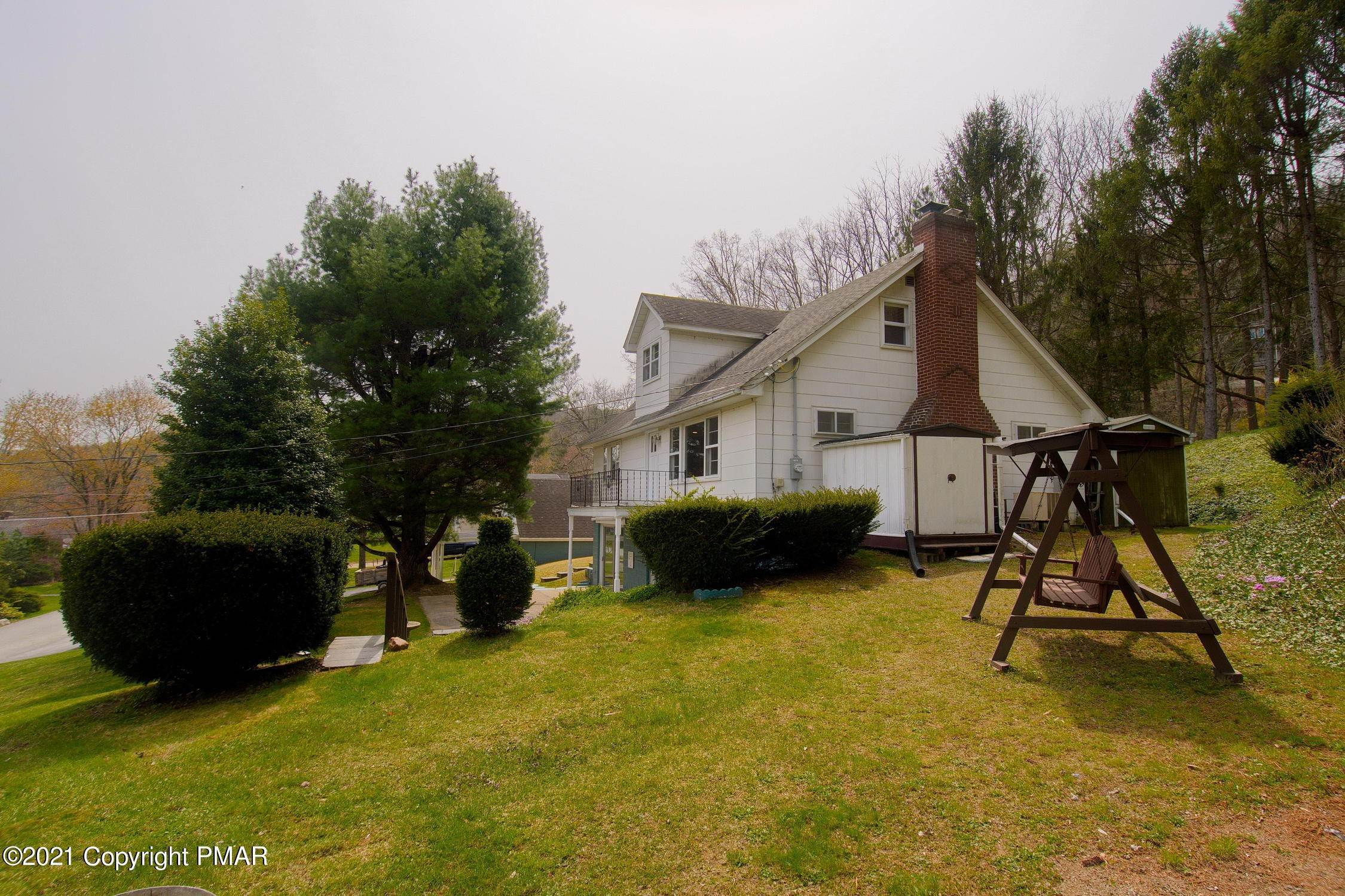 9. Single Family Homes for Sale at 121 Kings Ln Kunkletown, Pennsylvania 18058 United States