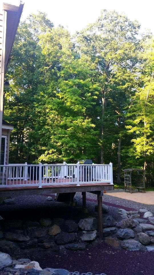 12. Single Family Homes for Sale at 2199 Lancaster Dr Bushkill, Pennsylvania 18324 United States