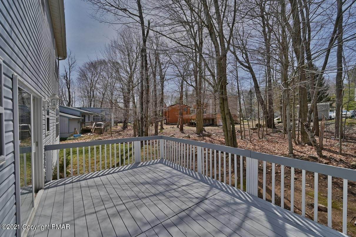 67. Single Family Homes for Sale at 6098 Boardwalk Dr Tobyhanna, Pennsylvania 18466 United States