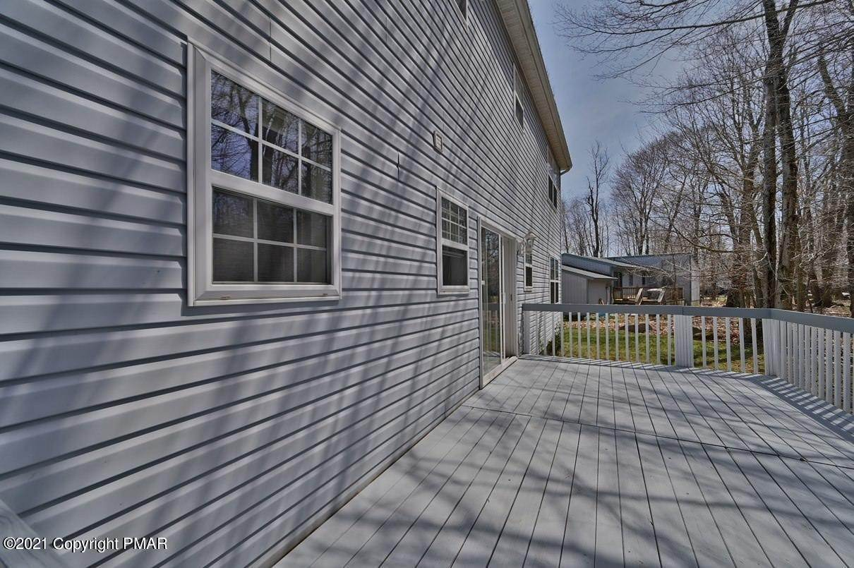 71. Single Family Homes for Sale at 6098 Boardwalk Dr Tobyhanna, Pennsylvania 18466 United States