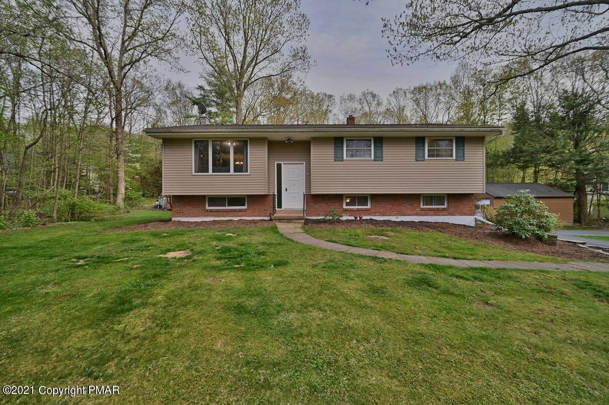 Single Family Homes for Sale at 282 Cherry Lane Rd Bartonsville, Pennsylvania 18321 United States