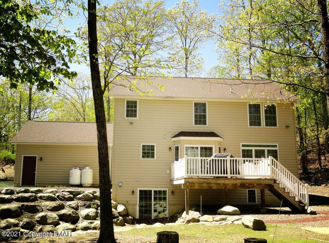 20. Single Family Homes for Sale at 2199 Lancaster Dr Bushkill, Pennsylvania 18324 United States
