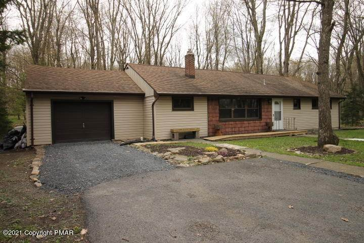 Single Family Homes for Sale at 1332 Madison Ave Pocono Summit, Pennsylvania 18346 United States