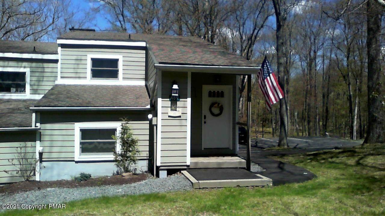 Single Family Homes for Sale at 489 Moseywood Rd Lake Harmony, Pennsylvania 18624 United States