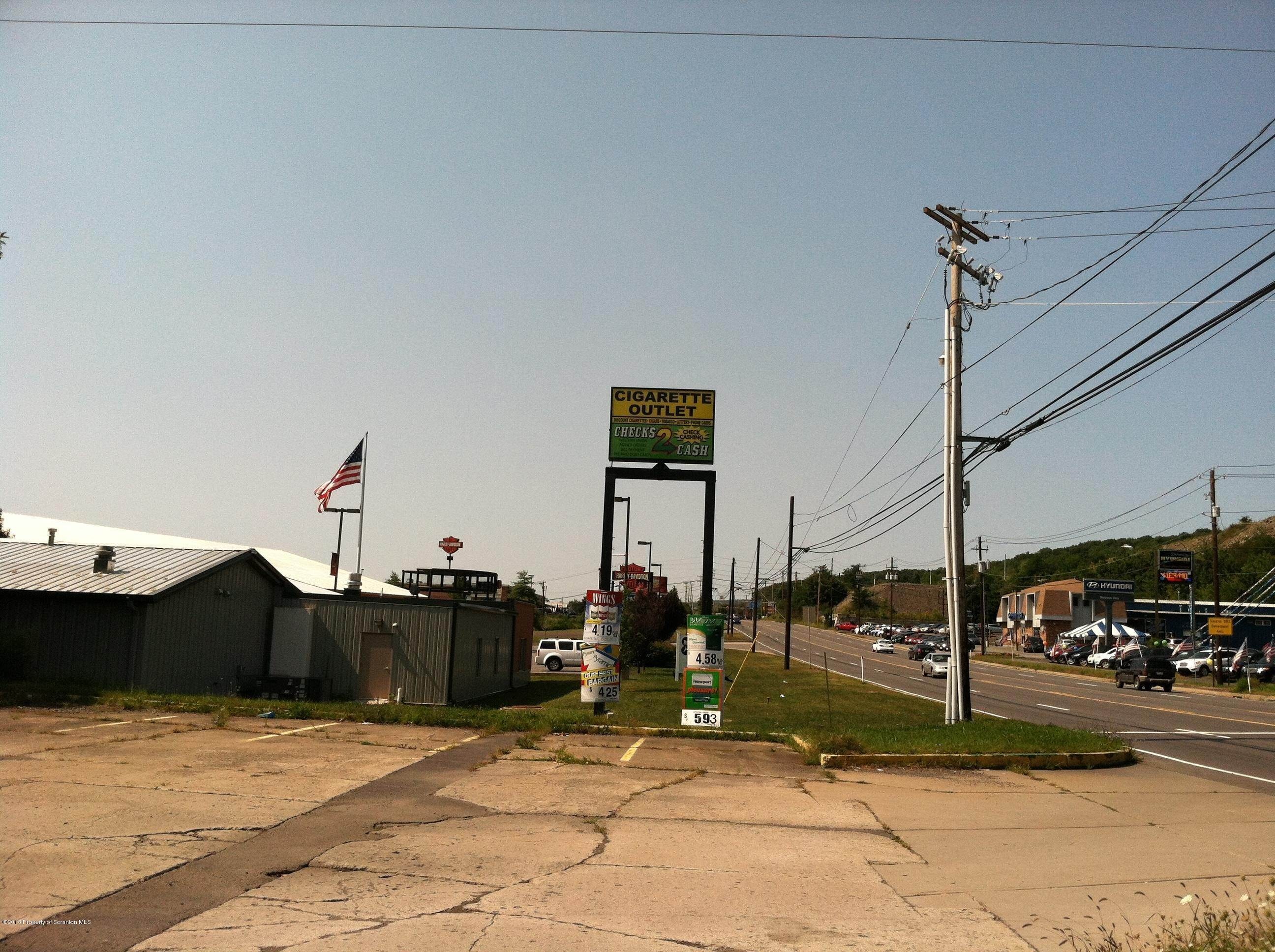 4. Commercial for Sale at 1610 Scr Cdale Hwy Rt 6 Dickson City, Pennsylvania 18519 United States