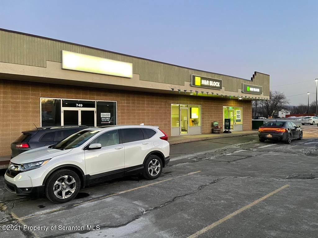 2. Commercial for Rent at 749 Oak St Scranton, Pennsylvania 18508 United States