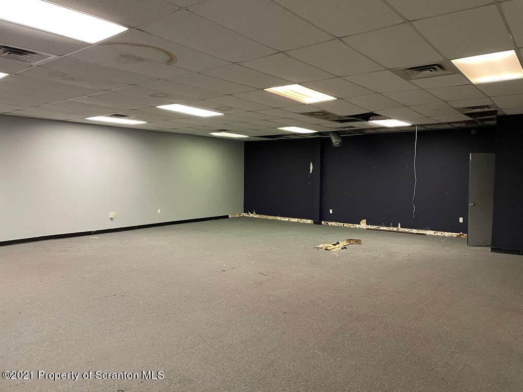 5. Commercial for Rent at 749 Oak St Scranton, Pennsylvania 18508 United States