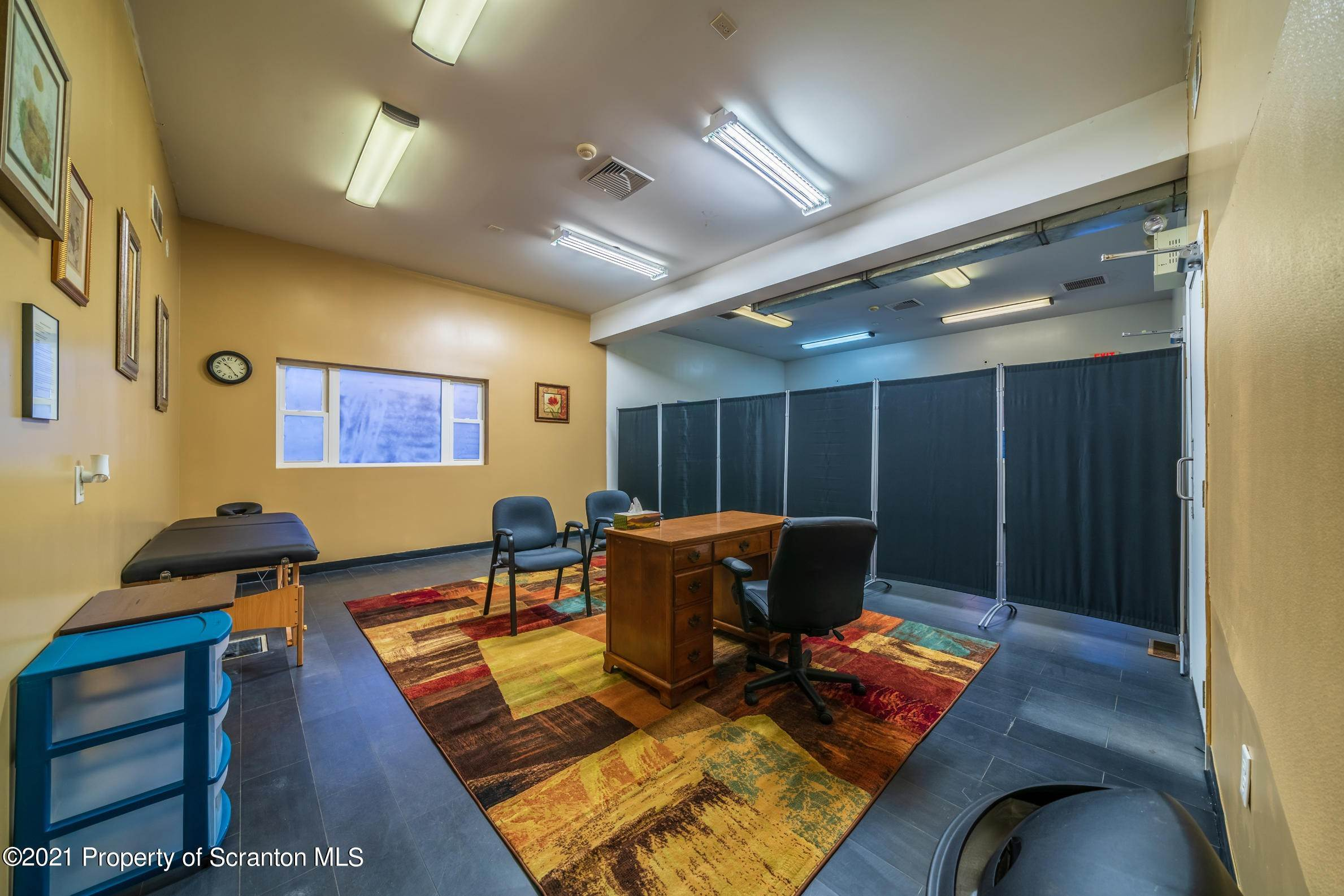 9. Commercial for Sale at 683 Mountain Boulevard Mountain Top, Pennsylvania 18707 United States