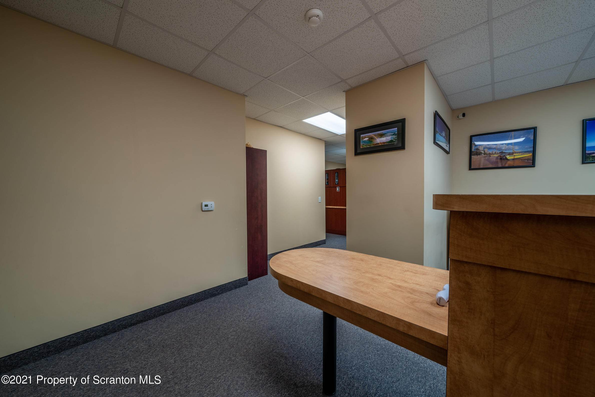19. Commercial for Sale at 683 Mountain Boulevard Mountain Top, Pennsylvania 18707 United States