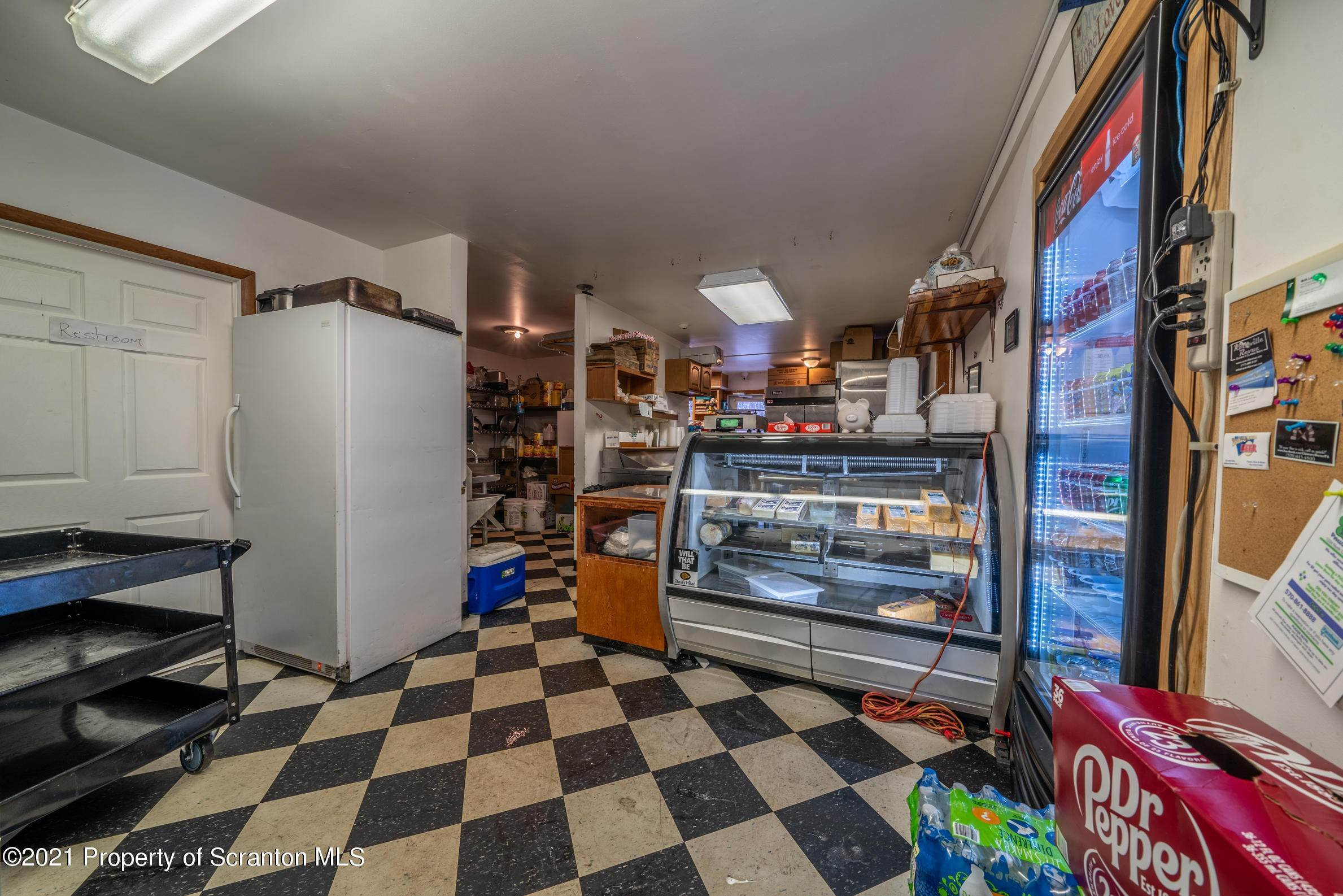 40. Commercial for Sale at 683 Mountain Boulevard Mountain Top, Pennsylvania 18707 United States