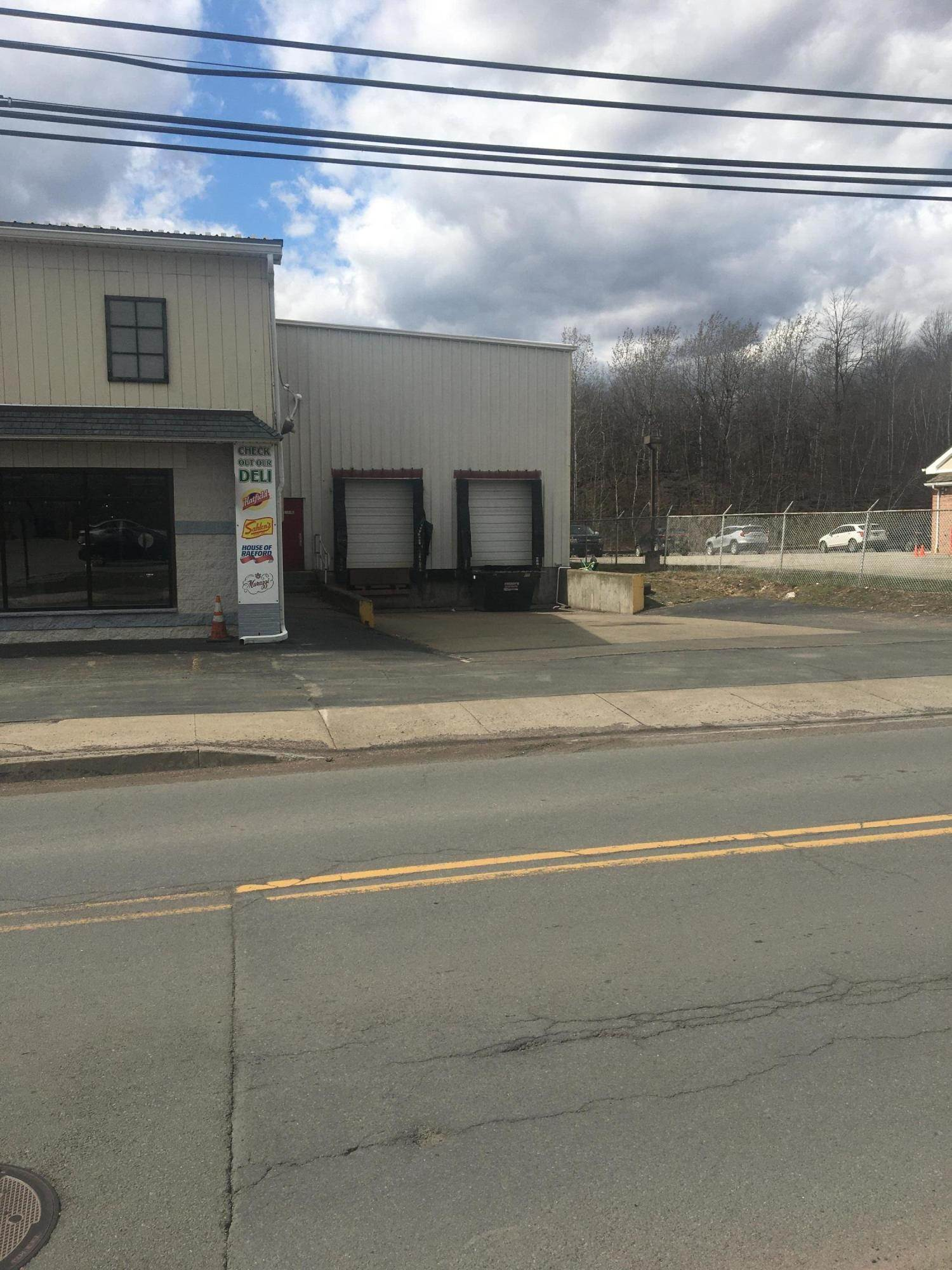 3. Commercial for Sale at 25 31 Dundaff St Carbondale, Pennsylvania 18407 United States